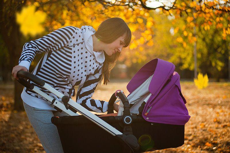 Mamma-med-barnvagn