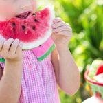 Barn-med-melon